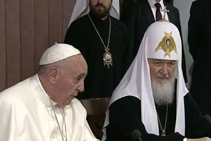 Pope_Francis_and_Patriarch_Kirill_CNA